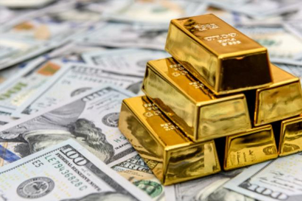 RUSSIA FOR FIRST TIME HOLDS MORE GOLD THAN U.S. DOLLARS IN $583 BILLION RESERVES