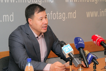 POLITICAL SCIENTIST BOGDAN TARDEA ACCEDES TO PARTY OF SOCIALISTS
