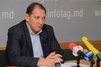 MUNICIPAL COUNCILOR OLEG CERNEI REGARDS EXAGGERATED WATER INVOICES AS PROVOCATION