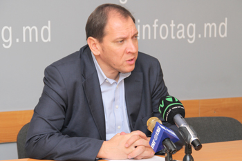 CEC SHOULD EXCLUDE DEMOCRATIC PARTY FROM ELECTION RACE – INDEPENDENT CANDIDATE
