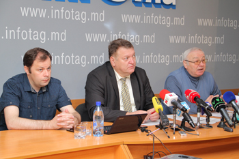 MOLDOVANS REGARD RM POLICY AS WRONG, BUT HOPE FOR THE BEST