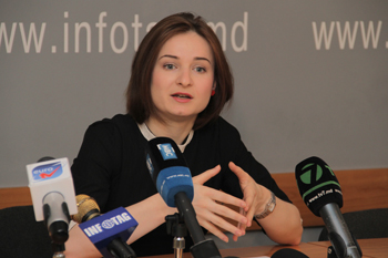 EXPERT SAYS MOLDOVA'S PROBLEM IS NOT LACK OF MONEY BUT POOR MANAGEMENT