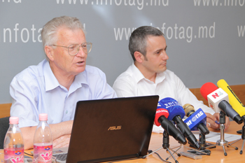 MOLDOVANS SAY THEY ARE DISSATISFIED WITH LIVING STANDARDS IN COUNTRY