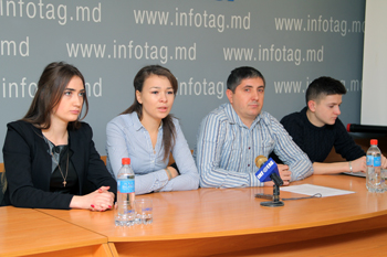 COMOARA DEMANDS TO FIRE CHISINAU MUNICIPAL CULTURE CHIEF