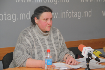 MOLDOVAN WOMAN CALLS ON PRESIDENT TO ESTABLISH ORDER IN JUVENILE SYSTEM