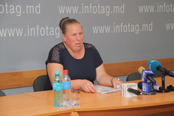 MOLDOVAN WOMAN DEMANDS AUTHORITIES TO ISOLATE HER HUSBAND SUSPECTED OF RAPING THEIR DAUGHTER