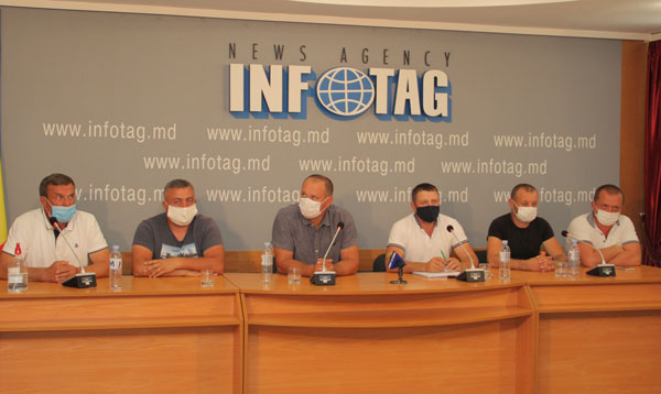 "Agrarians call parliamentary factions for negotiations, stating that dialogue with government ""is in endlock"""