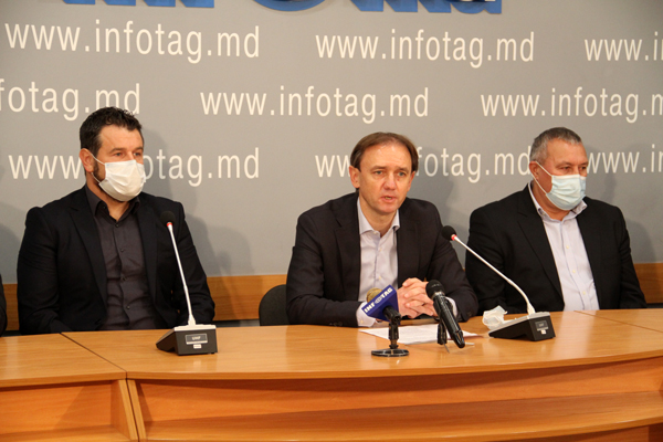 EX-PLAYERS OF MOLDOVAN NATIONAL TEAM ACCUSE MFF